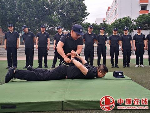 陕西府谷出入境紧抓实战大练兵契机 锻造过硬公安队伍